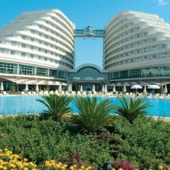 MIRACLE RESORT / LARA  *****